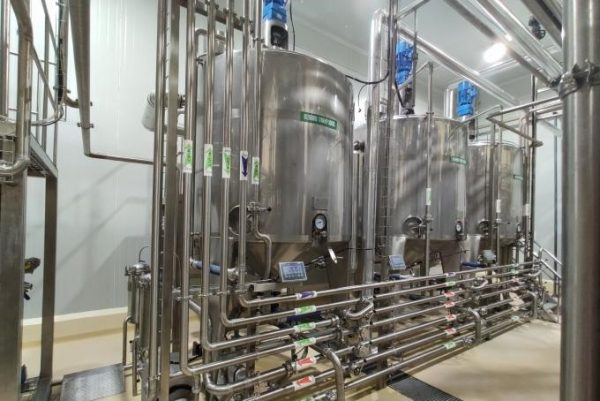 200-500 Kw Uht Milk Processing Plant PET Bottle Package Auto CIP Cleaning